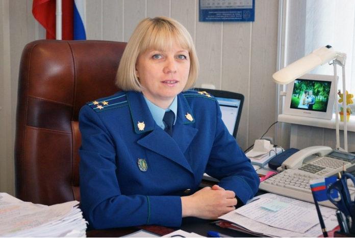 Прокурор Петрозаводска Елена Аскерова выступает в суде по