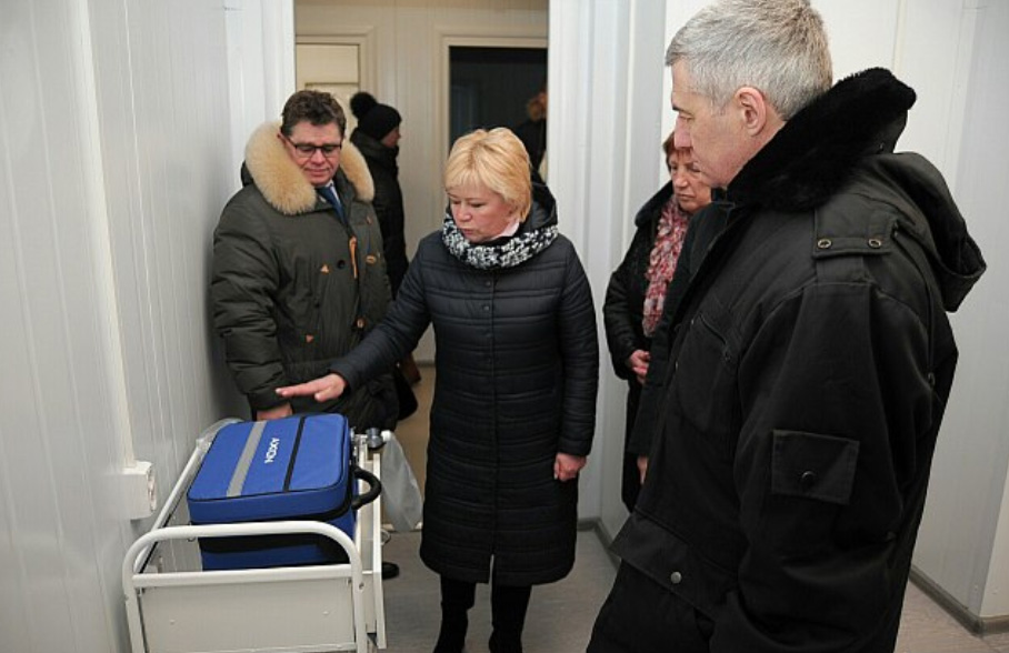 Глава Карелии Артур Парфенчиков на открытии ФАП в поселке Ихала. Фото: gov.karelia.ru