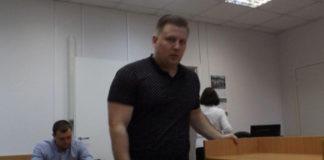 Это - майор Гончаров, он следит за слишком политически активными школьниками. Фото: Алексей Трунов