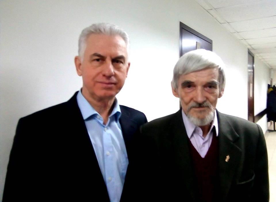Юрий Дмитриев (справа) и его адвокат Виктор Ануфриев (слева) в суде. Фото: Валерий Поташов