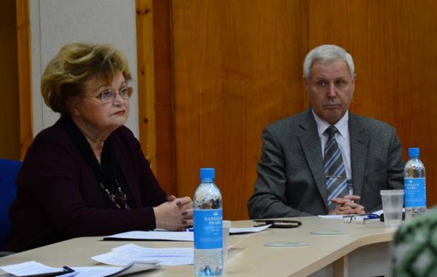 Лилиана Жохова и член Общественной палаты России от Карелии Александр Титов. Фото: Алексей Владимиров
