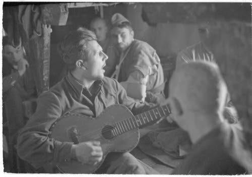 Медвежьегорск. 1942 г. Военнопленные на отдыхе